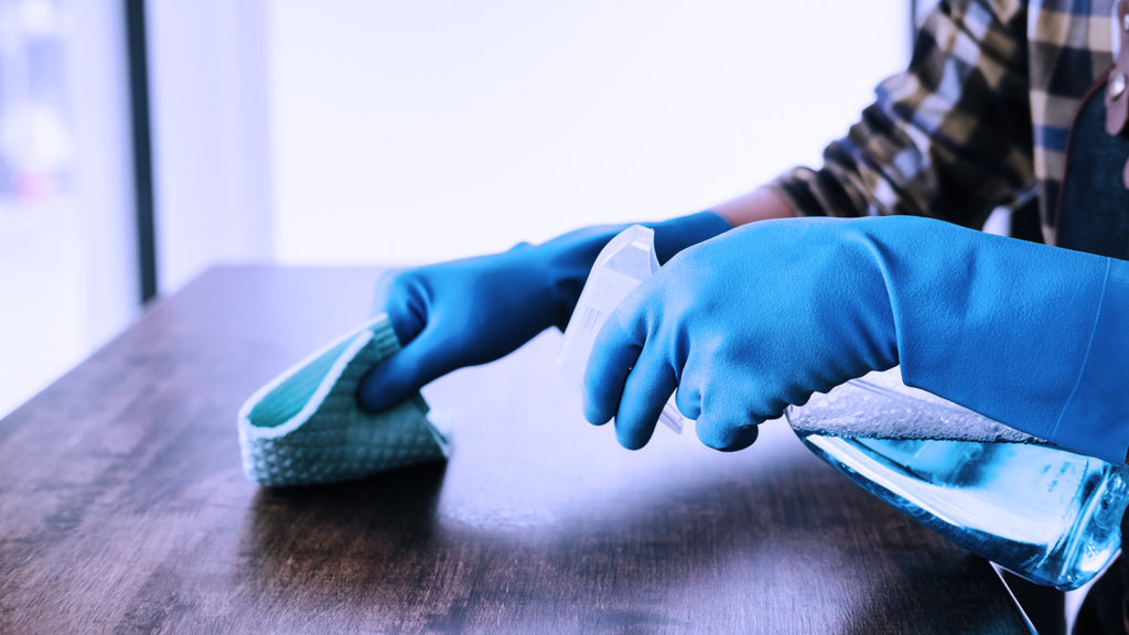 Cómo desinfectar tu hgoar de coronavirus